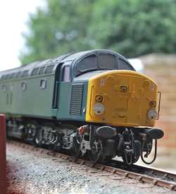 weathered class 40 with subtle weathering